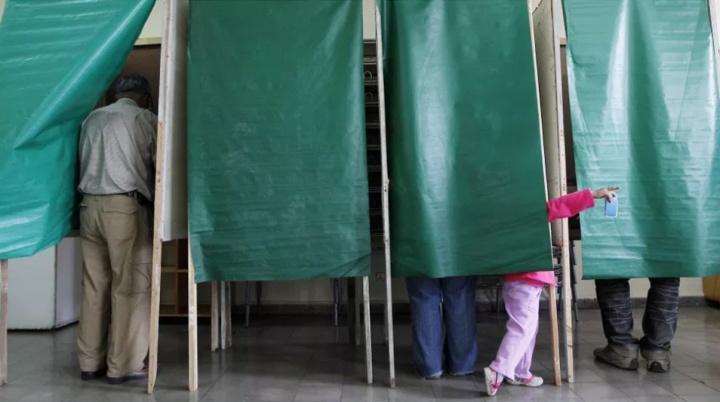 Winning runoff elections in Latin America
